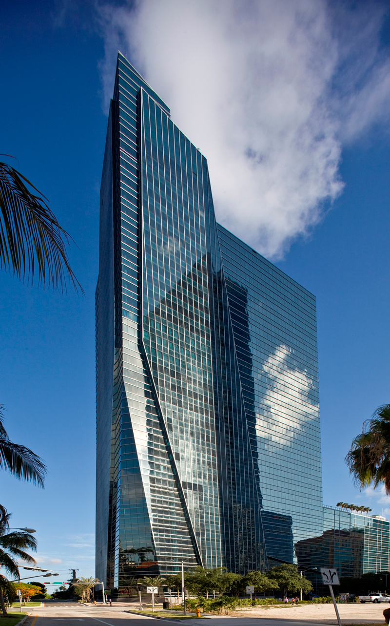 1450 Brickell Tower Becomes Miami S First Leed Gold Office