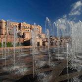 Emirates-Palace-with-fountains.jpg