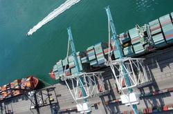 Miamis-Port-Gantry-Cranes.jpg