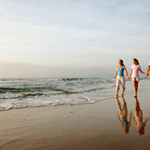 Family-Walking-on-Beach-keyimage.jpg