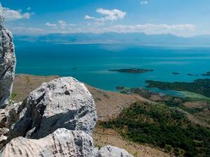 Albania_-_Montenegro_border.jpg