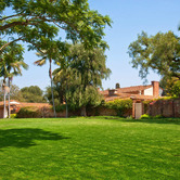 Holmby-Hills-estate-once-owned-by-Frank-Sinatra.jpg