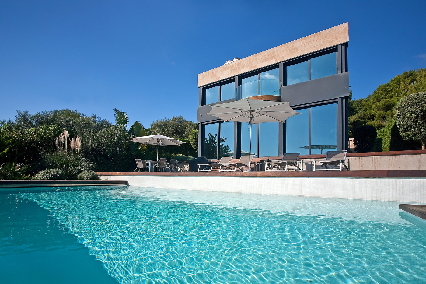 price gap grows for mallorca seaside homes world