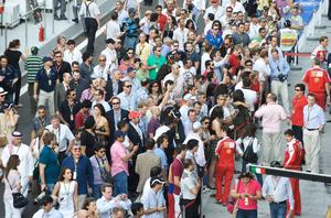 Crowds-at-Abu-Dhabi-F1-Race.jpg