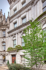 Stanford-White-Mansion-at-973-Fifth-Avenue-facade.jpg
