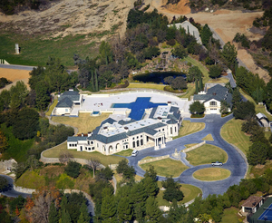 Donald-Abbey-recently-completed-estate-in-Bradbury-California-listed-at-78.8-million.jpg