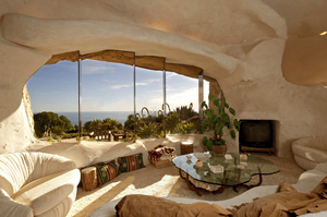 Malibu-California-Flintstones-home-interior.jpg