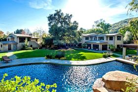 Stephen-Sommers-13.5-million-Malibu-home-for-sale.jpg