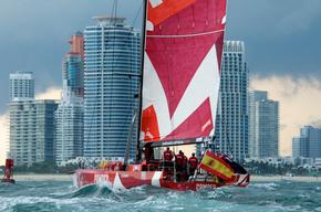VOLVO-OCEAN-RACE--Team-CAMPER-entering-Port-Miami-Photo-by-Marco-Oquendo.jpg