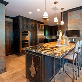 Kelly-Stone-s-Sherman-Oaks-home-kitchen-area-Photo-by-Jeff-Elson.jpg