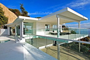Screenwriter-Skip-Woods-Hollywood-Hills-West-home--Photo-by-Jeff-Ong.jpg