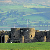 Beaumaris-Castle-wpcki.jpg