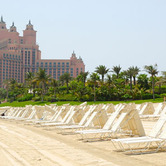 Beach-of-Atlantis-the-Palm-hotel-Dubai-UAE-wpcki.jpg