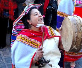 The-cobblestone-streets-of-Cusco-come-alive.jpg