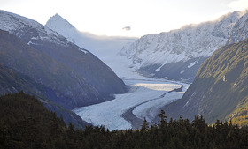 WPC News | The Alaska Railroad crosses the Bartlett Glacier at dawn