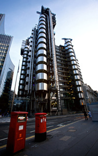 Lloyds-of-London-tower.jpg