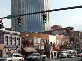 WPC News | You can have a foot-stompin' Valentine's Day on Nashville's Broadway.. (Photo courtesy Steve Winston)
