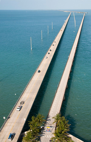 The-Overseas-Highway-is---literally---over-seas.jpg