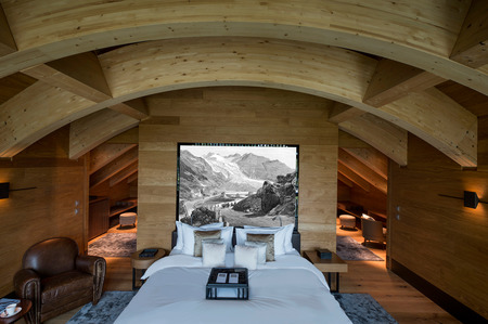 Chedi-penthouse---Furka-Suite-Master-Bedroom.jpg