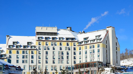 The Fairmont-Hotel-in-Mont-Trermblant.png