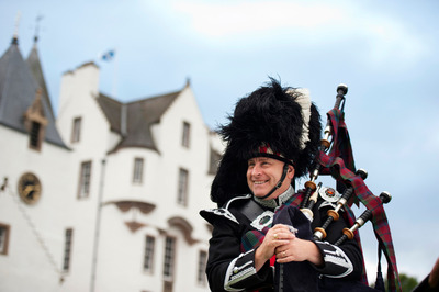 The-sound-of-Inverness-is-the-sound-of-the-pipes.jpg