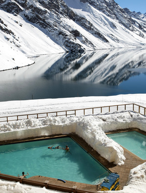 Swimming-in-the-snow-at-El-Portillo.jpg