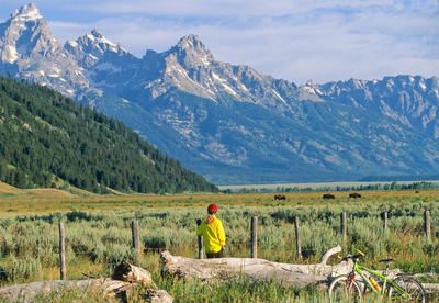 The-spectacular-beauty-of-the-Tetons-surrounds-the-Bentwood-Inn.png