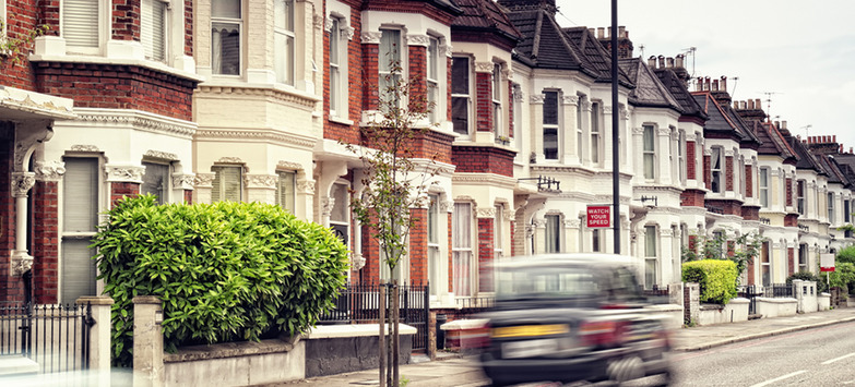 British Expats in Hong Kong, Singapore Leveraging Rising Rents in UK