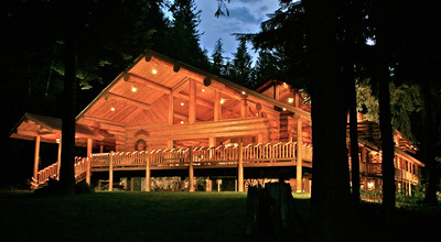 Western-Pleasure-s-beautiful-lodge-beckons-in-the-fading-sunlight.jpg