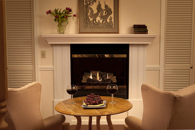 Valentine's-Day-doesn't-get-any-more-romantic-than-at-the-Eagle-Harbor-Inn.jpg