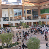 crowd-of-people-in-Mall-keyimage.png
