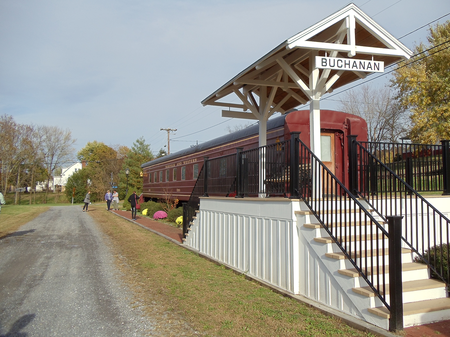At-the-Buchanan-Railcar-Inn,-you'll-experience-the-splendor-of-the-1930.png