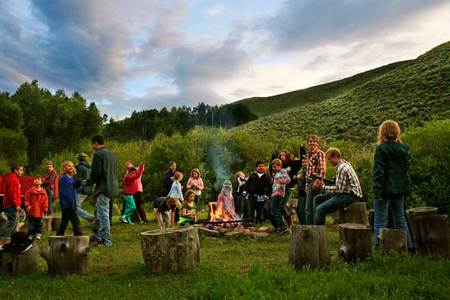 It's-cozy-around-the-campfire-at-Drowsy-Water-Ranch.jpg