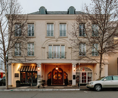 Classic-elegance-and-romantic-ambience-at--Hotel-Les-Mars.jpg