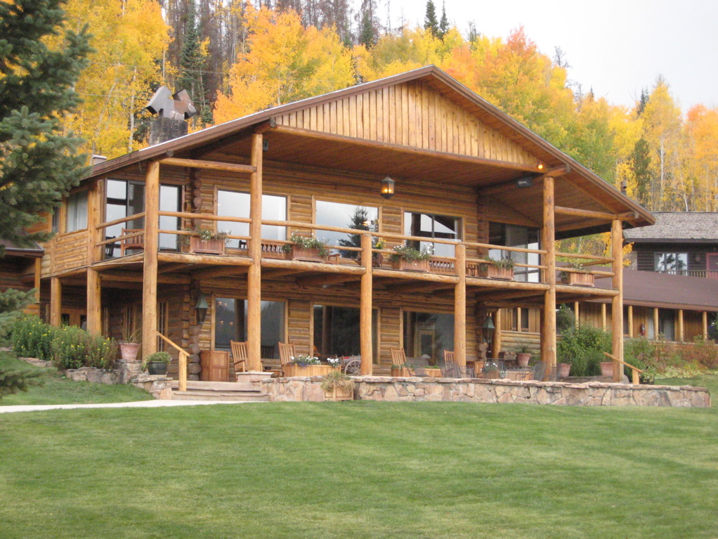 The-lodge-at-C-Lazy-U-Ranch-is-set-amidst-stunning-scenery.png