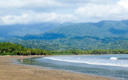 Playa-Uvita-Costa-Rica.jpg