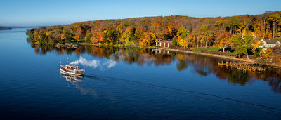 Lake-Geneva-is-an-idyllic-Autumn-painting-that'll-take-your-breath-away.jpg