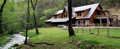 The-Lodge-at-Lands-Creek-Log-Cabins-overlooks-Paradise.jpg