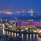 Singapore-Skyline-at-night-water-view-keyimage2.jpg