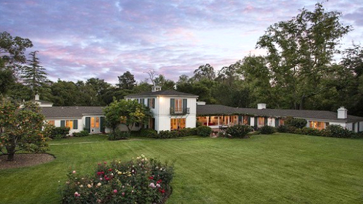 Drew Barrymore Sells California Mansion