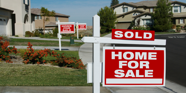 Analysis: Supply of Homes Dwindling in U.S.