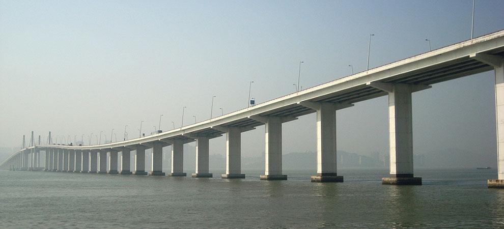 New Hong Kong-Zhuhai-Macao Bridge Benefits Region's Retail, Hotel Sectors