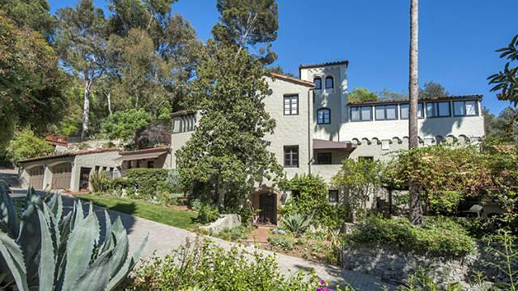 Sheryl Crow Can't Sell L.A. Compound