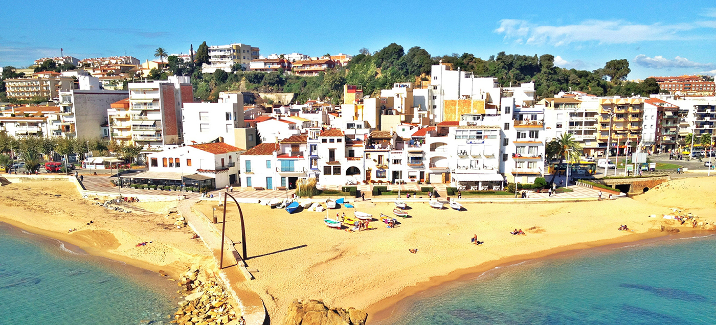 Portugal Vacation Home Searches Rise as COVID Travel Rules Soon Ease in the U.K.