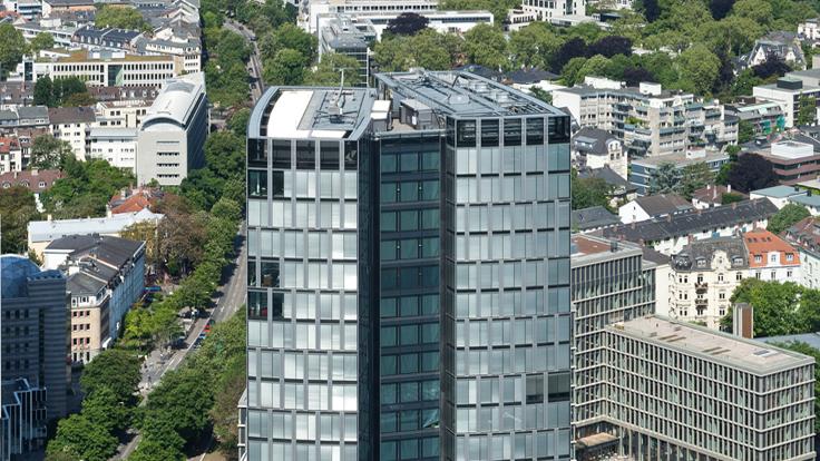 Deutsche Bank Pays $326 Million for Office Tower