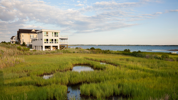 In the Hamptons, Sales of Luxury Homes Drop