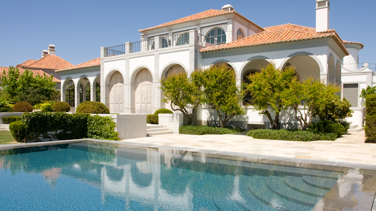 Mansion Foreclosures Skyrocket In US